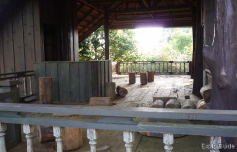Hua Phan Menhirs, Hintang, Houamuang, Xam Nua