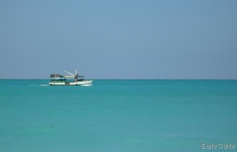 Playa Perla Blanca, Cayo Santa Maria, boat